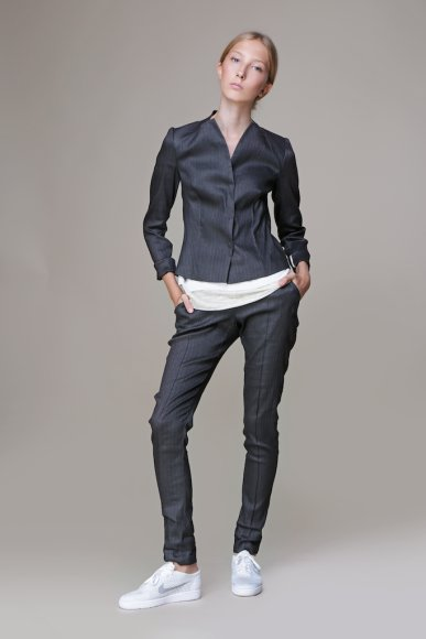 33 RJAB JACKET 32 LICIS TROUSERS