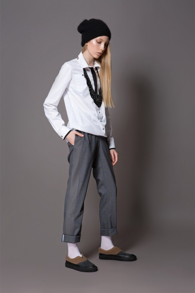 48 Mondaine trousers grey 35 Ebel shirt 683x1024
